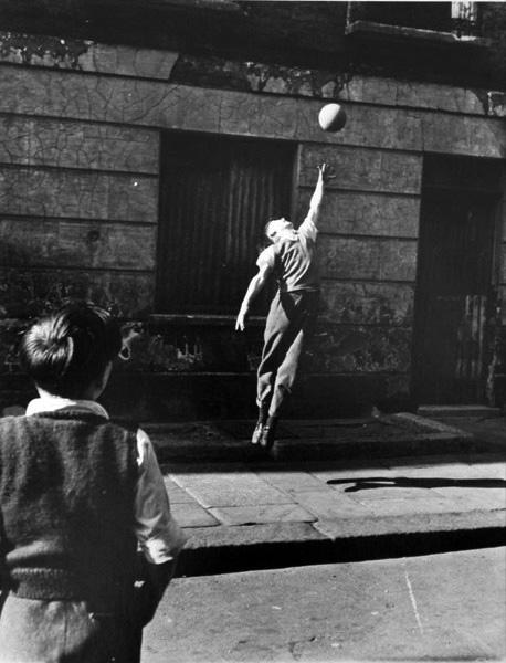 Footballer_jumping_brindley_ro