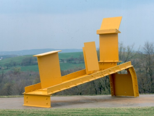 Midday (1960), Steel, painted yellow , 240 x 96.5 x 366cm