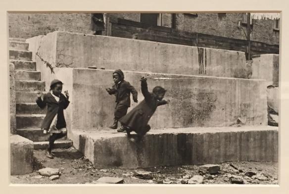 Helen Levitt New York, c.1940.