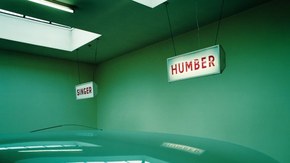 Paul Graham, Garage on The Great North road, Edinburgh