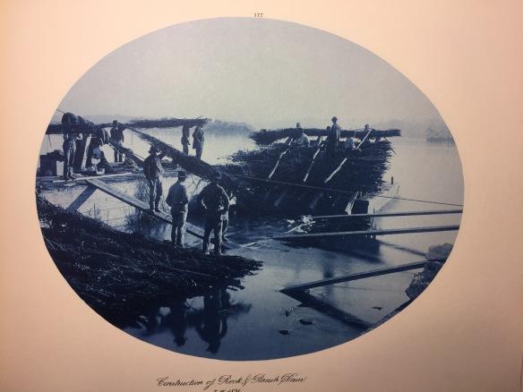 Henry Peter Bosse : Construction of Rock & Brush Dam, Low Water, 1891