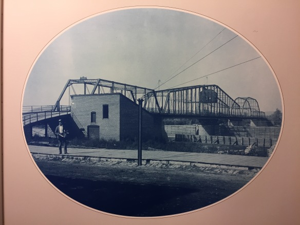 Henry Peter Bosse : Wagon Bridge at La Crosse, Wisconsin, 1891.